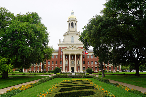 Baylor University June 2016 19 Founders Mall and Pat Neff Hall