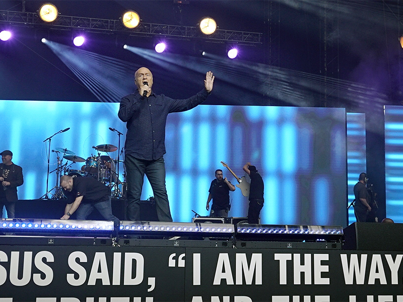 Greg Laurie, pastor of Harvest Christian Fellowship in Riverside, Calif., shares the gospel with an audience of 38,000 at the University of Phoenix Stadium in Glendale, Ariz., on June 11, 2017, for Harvest America. Photo courtesy of Adam Covington
