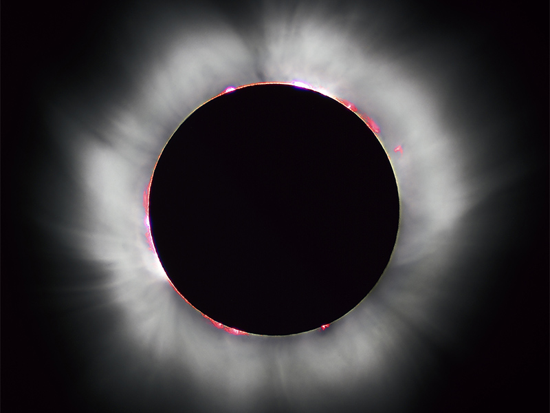 This total solar eclipse in 1999 occurred when the moon completely covered the sun's disk. Photo courtesy of Oregon State University