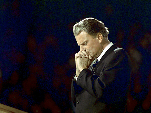 webRNS Billy Graham praying 022118