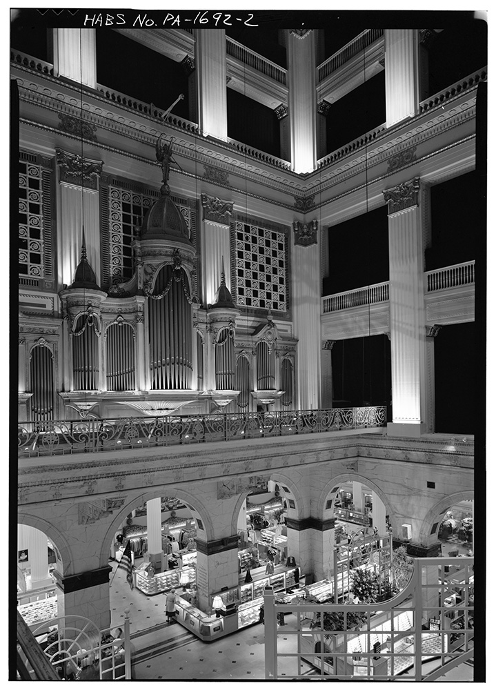 The Grand Court of the John Wanamaker Store in Philadelphia. Photo courtesy of LOC/Creative Commons